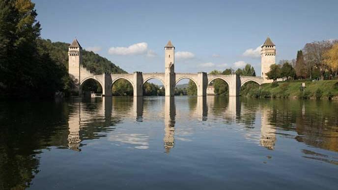 Paysage de la ville de Cahors, dans laquelle se trouve l'un des bâtiments démonstrateurs du projet Ener'pat